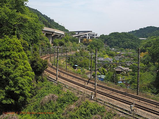 中央本線と中央道八王子JCT